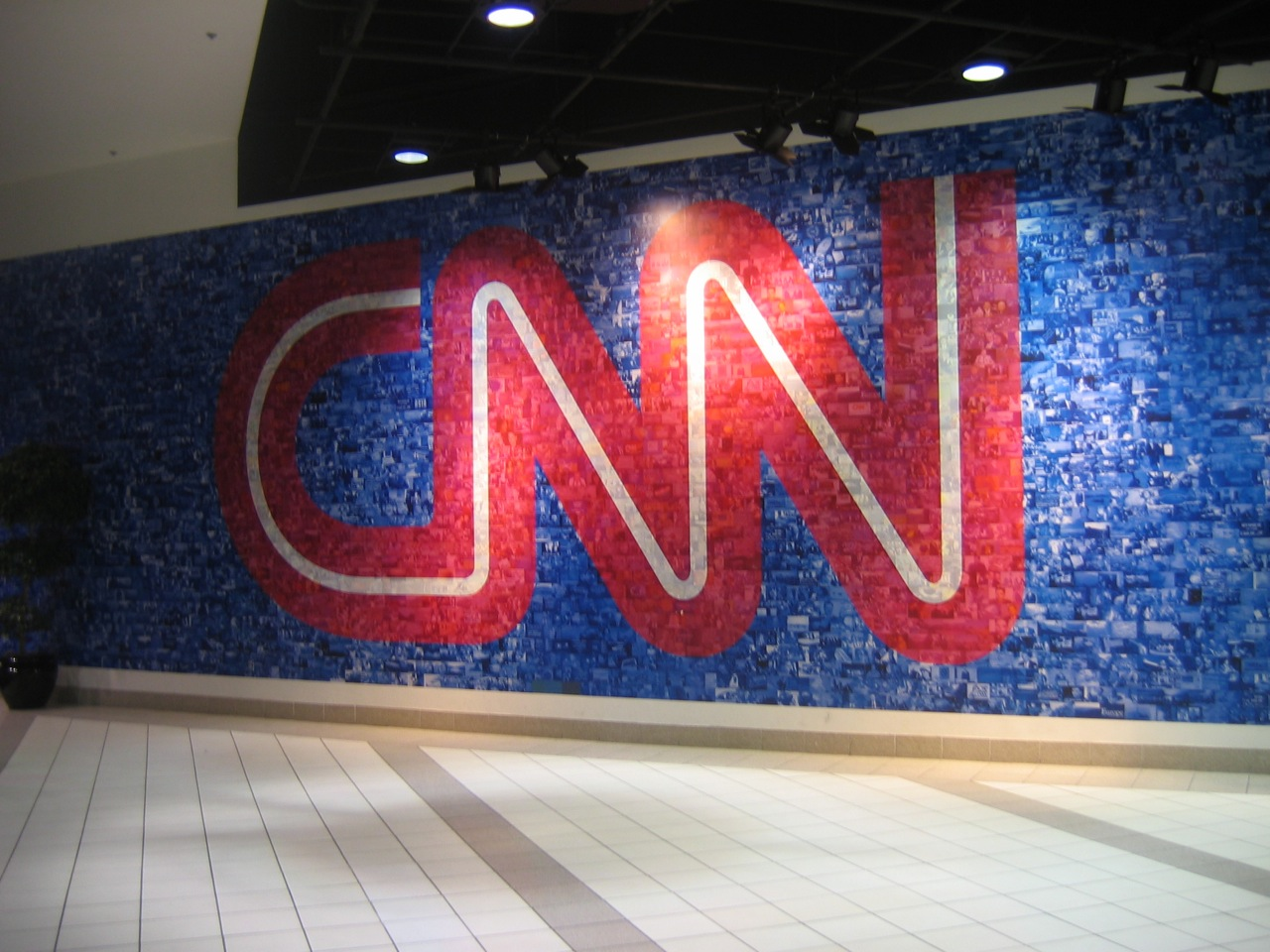 Ask the ethicist: Did CNN blackmail a pro-Trump Reddit troll?